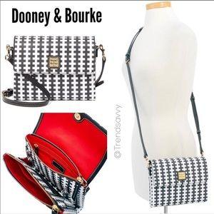 RARE Dooney & Bourke Black Hunter Crossbody Bag